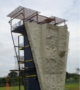 Military_climbing_walls
